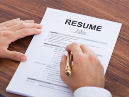 Pros of hiring a resume writing service